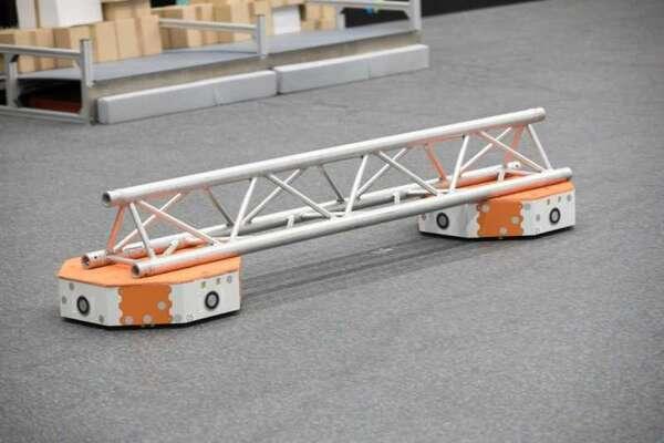 """LoadRunner - a """"swarming"""" robot for intralogistics"""