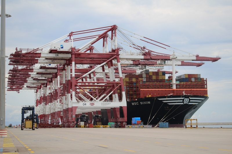 BEST Barcelona handles its first 23,000 TEU + vessel call