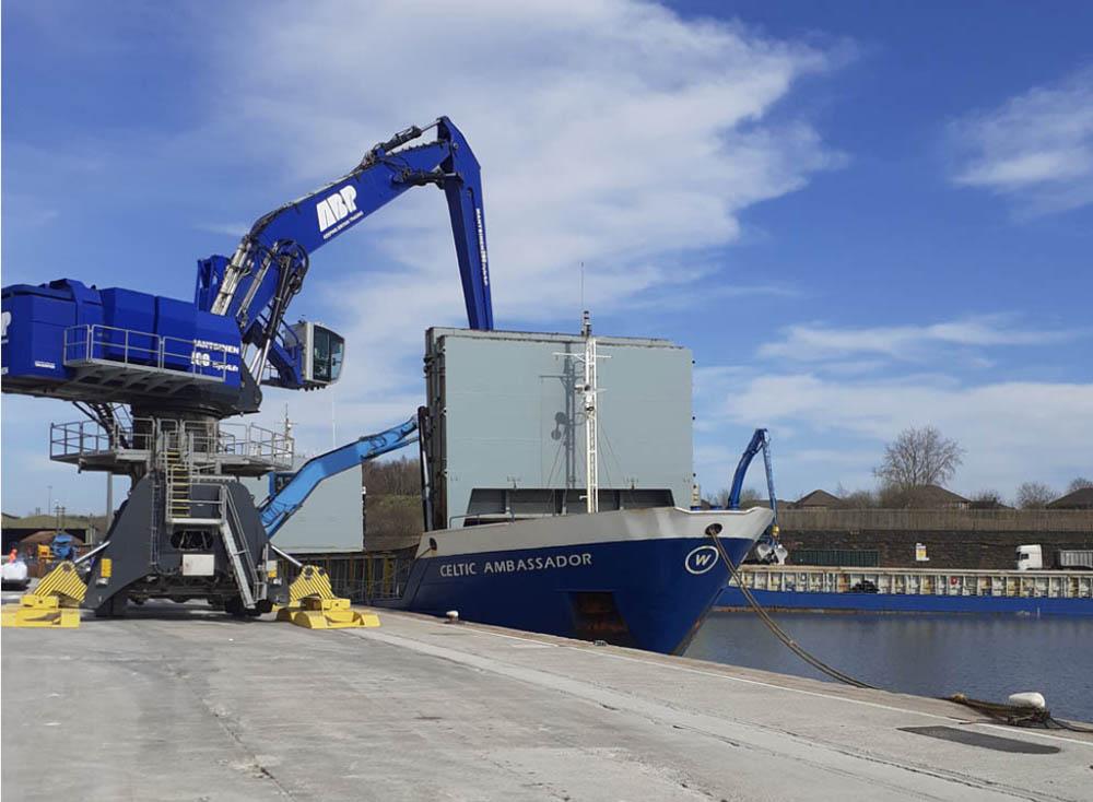 Aggregates agreement for Port of Garston