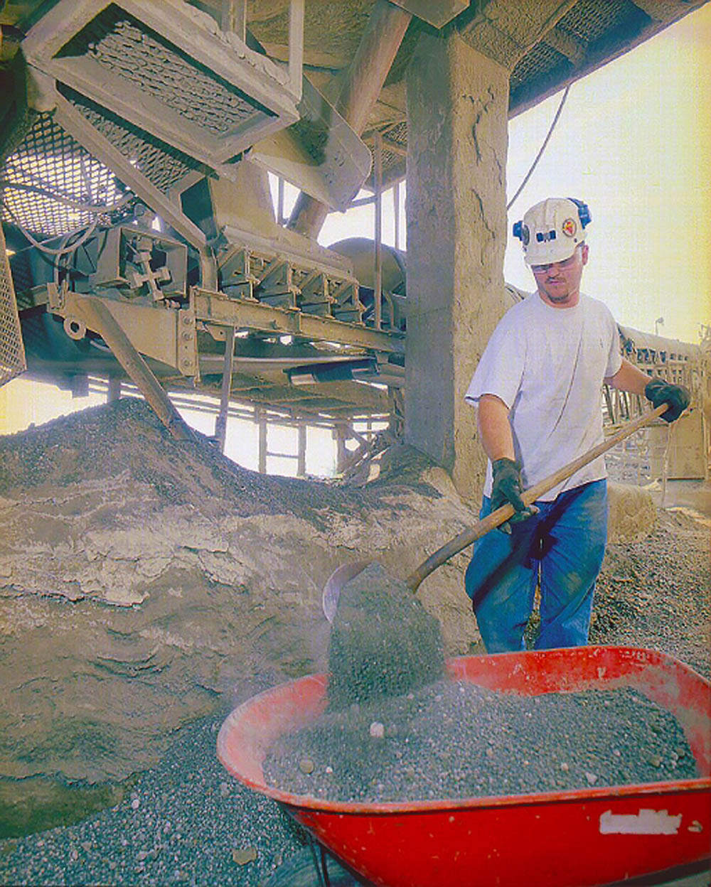 Cleanup brings workers within close proximity of a moving conveyor
