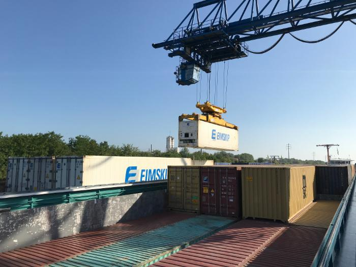 Contargo ships reefers by barge in France