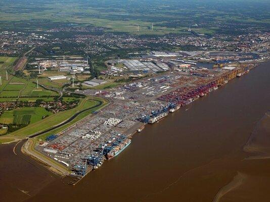 German port merger talks cause disquiet