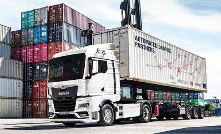 Autonomous truck shows up at DUSS in Ulm