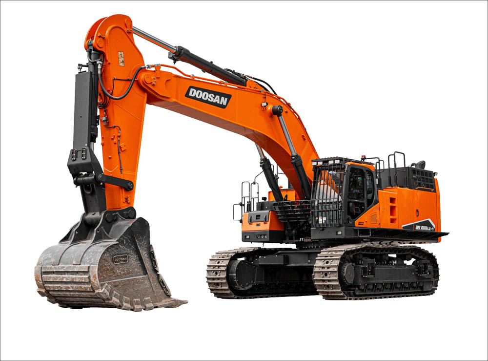 Stage V compliant 80t crawler excavator debut