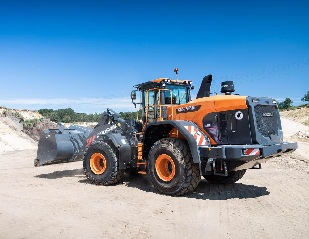 Doosan launches new DL420-7 Stage V wheel loader