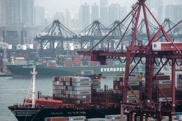 Hong Kong port COVID-19 cluster grows