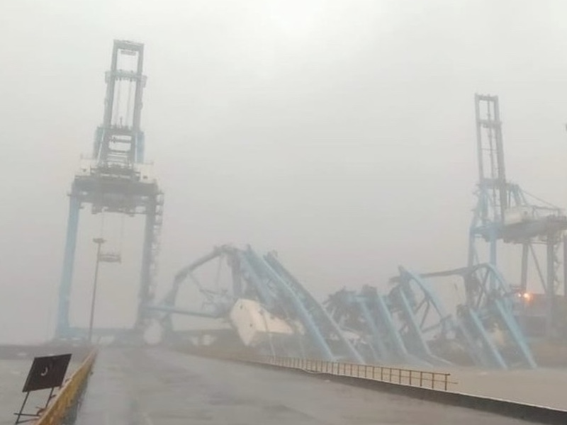 Three cranes toppled in Mumbai