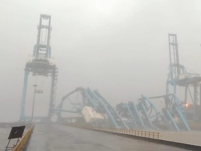 Three cranes toppled in Mumbai