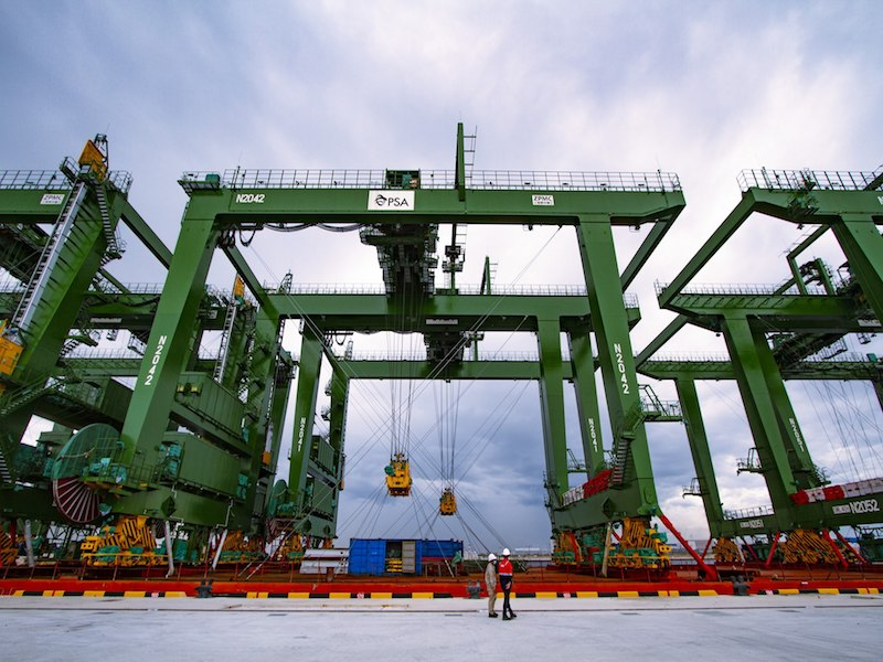 First cranes arrive at Tuas