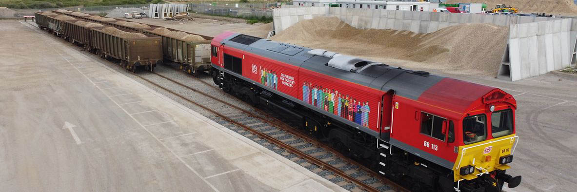 DB Cargo UK recently ran the first freight train in 25 years into Newhaven Port as part of its collaboration with Brett Aggregates
