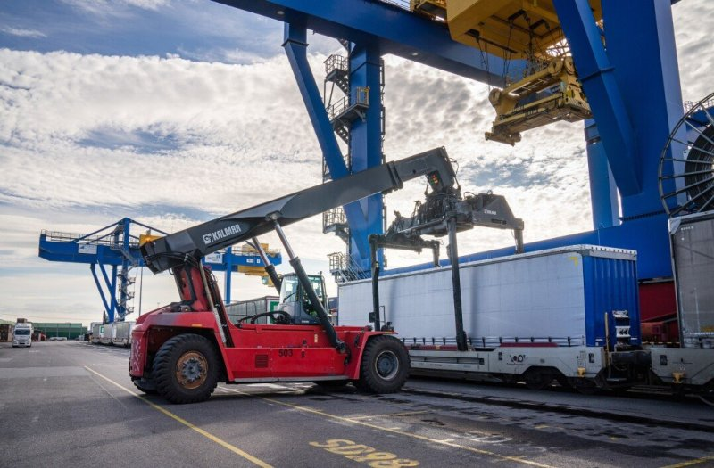 Duisport takes stake in CargoBeamer