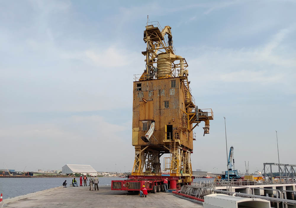 Critical job moving ship-unloaders completed