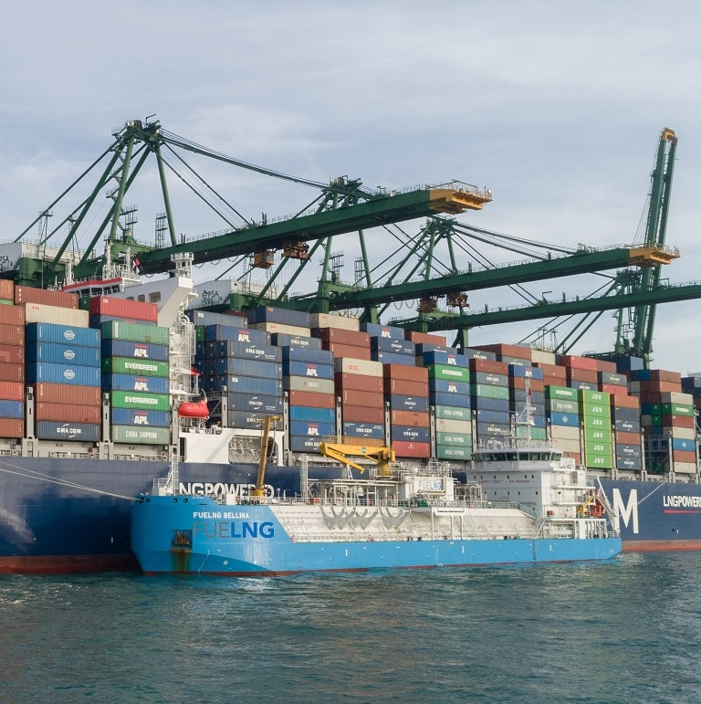 CMA CGM SCANDOLA is first containership to be LNG-bunkered in Singapore
