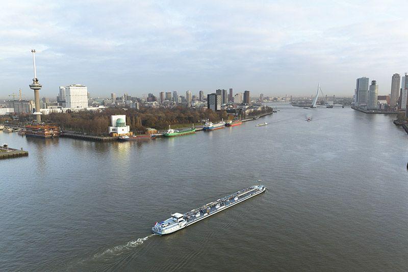 Enter hydrogen-powered barges on Dutch waterways