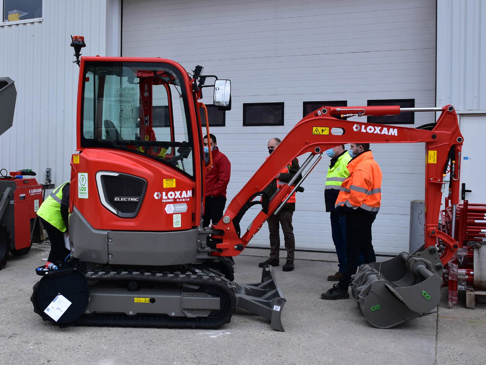 Volvo CE trains technicians on electric machines