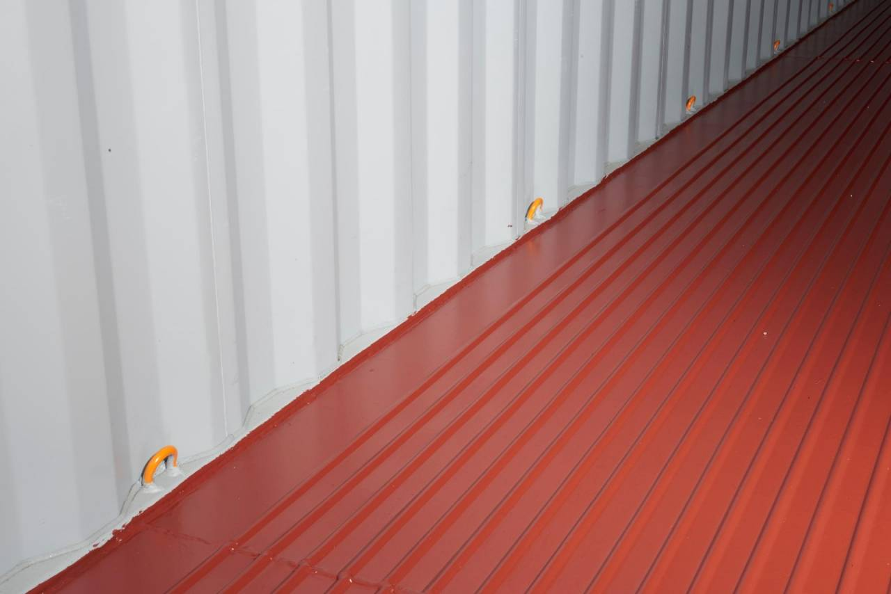 Hapag-Lloyd's steel floor boxes have more lashing points