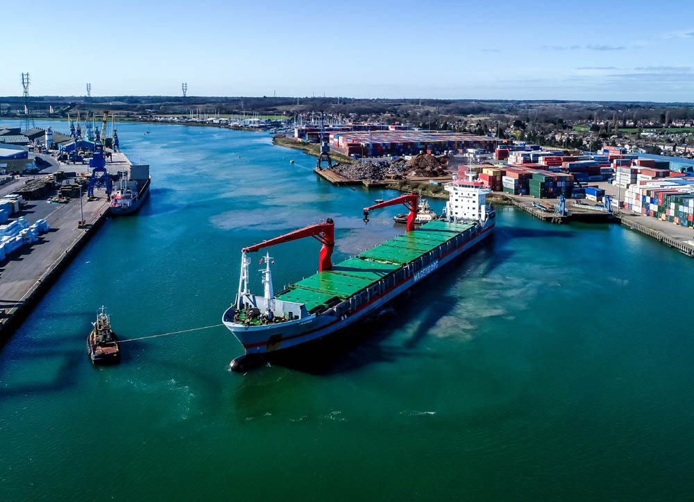 Large rice vessel operation in Ipswich port
