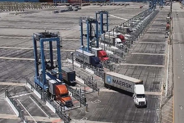 Pier 400 straddle automation moves forward
