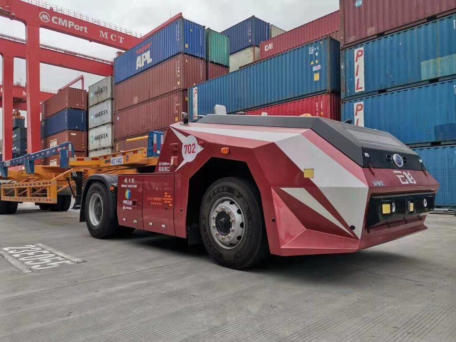 Autonomous trucks in Mawan