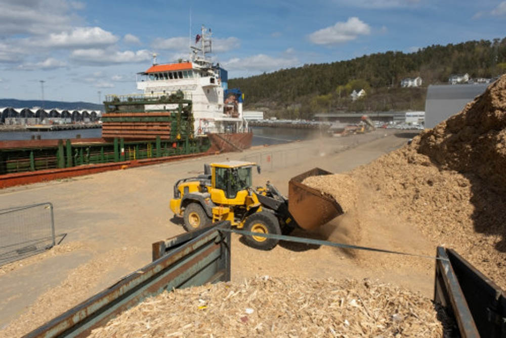 Oslo halts test shipping of woodchips from Ormsund