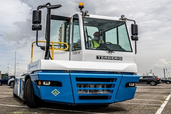 PSA Antwerp: Straddle carriers - towards hydrogen drive