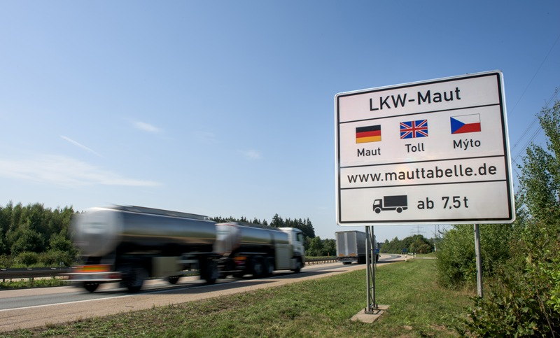 EU deal on mileage- and emissions-based truck tolls