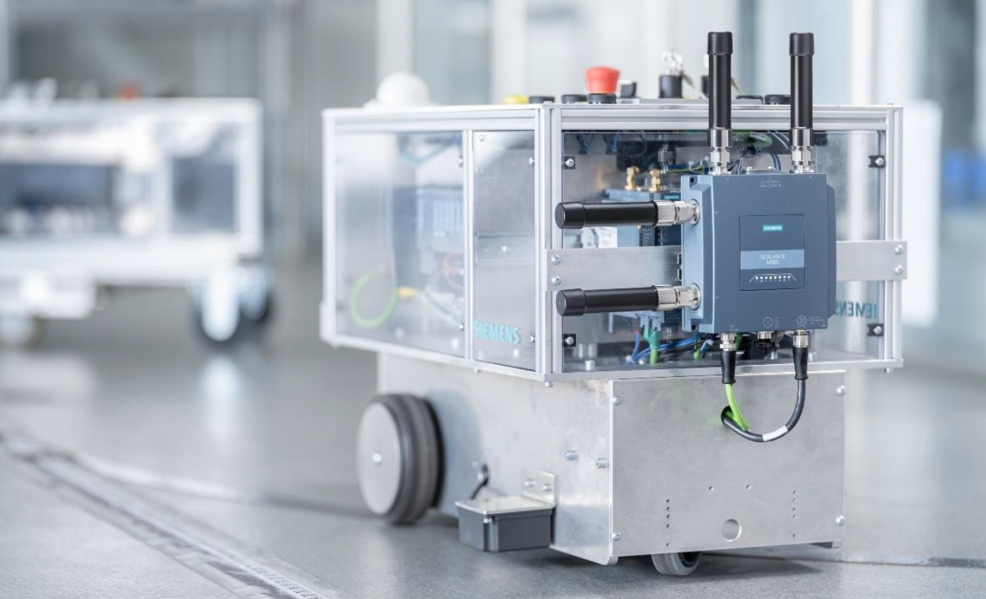 Siemens makes its first industrial 5G router commercially available