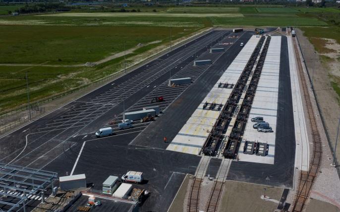 CargoBeamer opens terminal in Calais