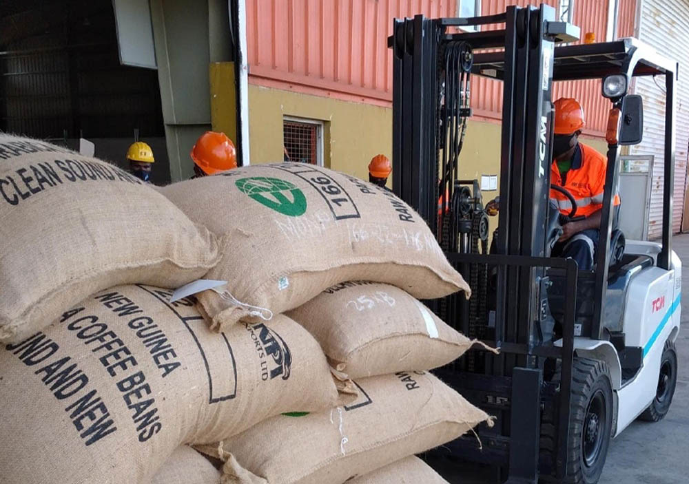 Breakbulk coffee at PNG container terminal