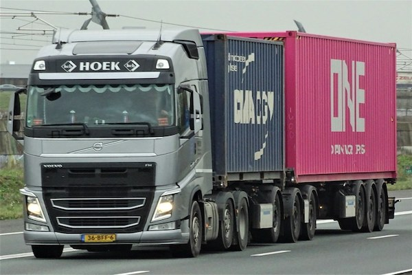 Dutch container hauliers in smart move
