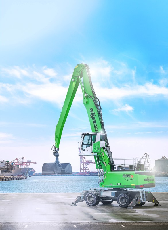 This is the first 835 crane to be offered with hybrid drive